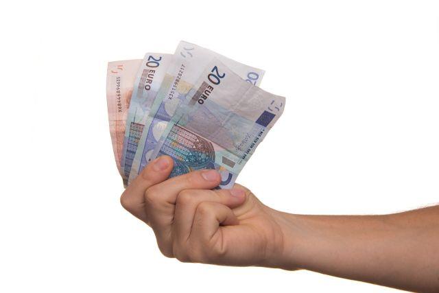 Podvodníci bohužel nezmizeli ani navzdory legislativním změnám. Které půjčky jsou bezpečné?